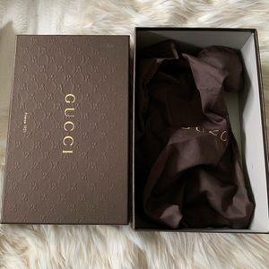 Gucci Nappa Charlotte Nero black leather pumps